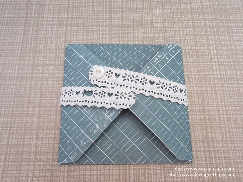 Use lace tape as the closure for the envelope
